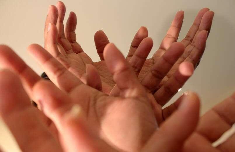 Italiani: gesti con le mani