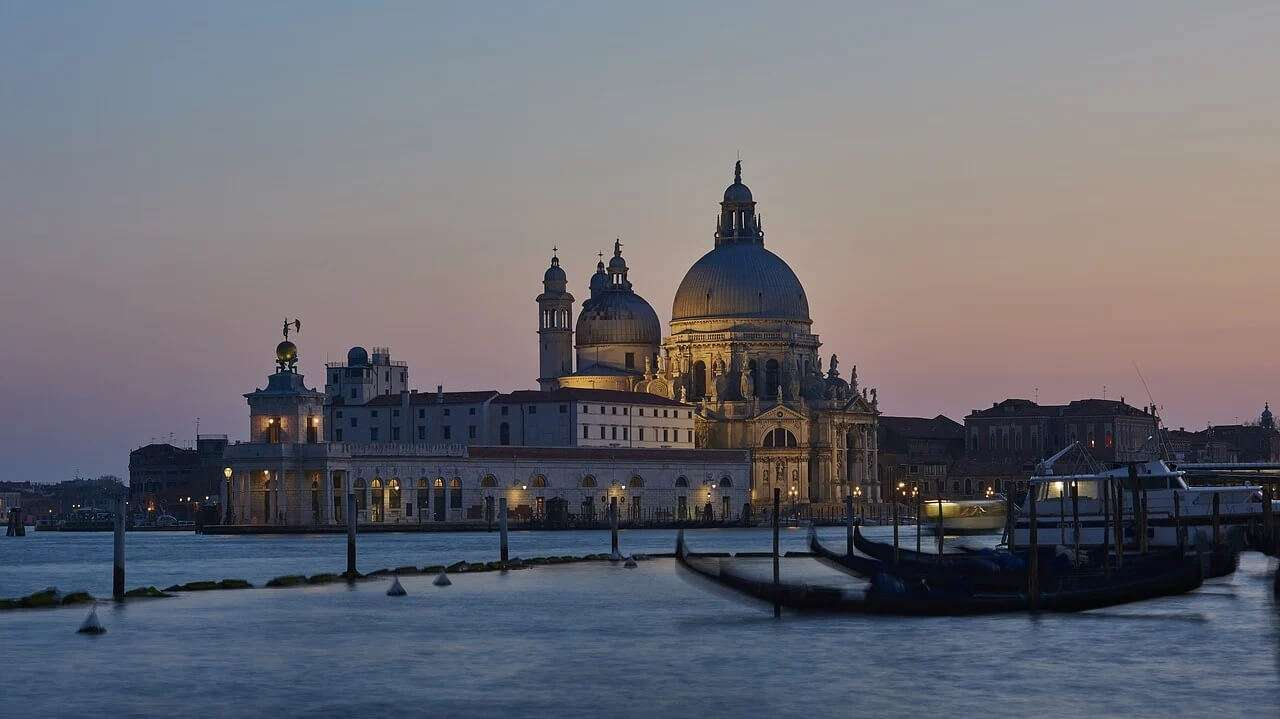 Learn to speak Italian in Venice, the floating city